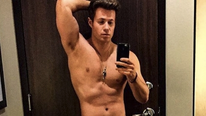 Ashley Parker Angel publicó dos fotos excitantes
