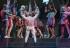 Charlie Carver desnudo en escenario de Broadway