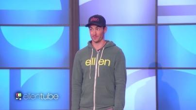 Modelo es desnudado para vender su ropa en el show de Ellen DeGeneres