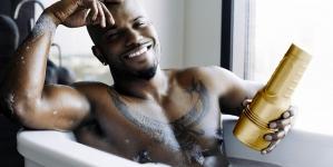 Milan Christopher presenta sus propios juguetes sexuales