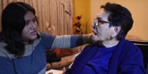 Nieta le confiesa a su abuelita que es homosexual