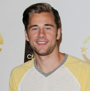 El video hot del actor Luke Benward