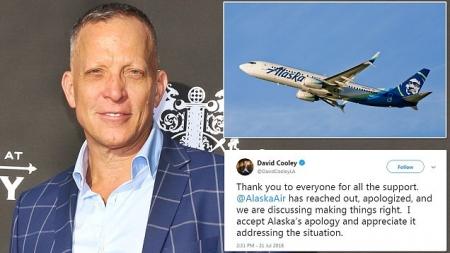 Pareja gay expulsada de sus asientos de avión por ser gays