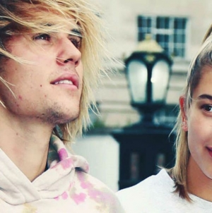 Justin Bieber deja ver su área púbica en Italia