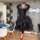 Sam Smith bailó sensualmente vistiendo una falda y tacones altos