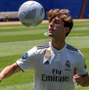El jugador del Real Madrid Álvaro Odriozola confesó estar enamorado de un compañero de equipo