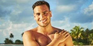 El Actor alemán Timur Dean Uelke aparece desnudo en reality show