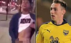 Graban a futbolista Gavin Whyte masturbandose en la calle