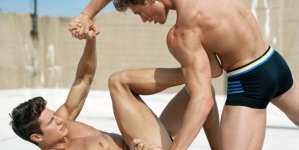 Eian Scully y David Laid desnudos en la pelea más sexy