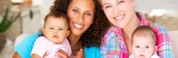 Francia: Se modifican formatos escolares para ser inclusivos con familias homoparentales